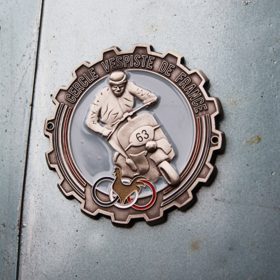 logo-cercle-vespiste-de-france-plaquette-emaillee-jordan-gentes-Jordan-Graphic